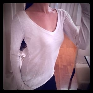 Abercrombie & Fitch White Lounge V neck long Tee